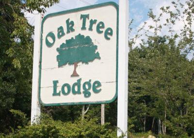Oak Tree Lodge Road Sign